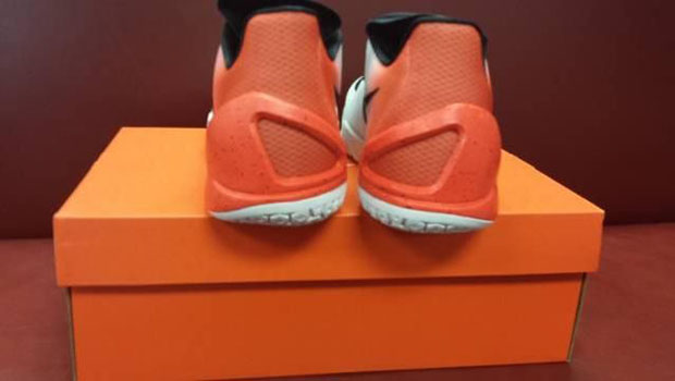 121c8559ac4440 Gradient Uppers on the Nike Hyperchase - SneakerNews.com