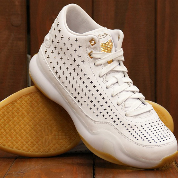 Nike Kobe 10 EXT Mid - White - Gum
