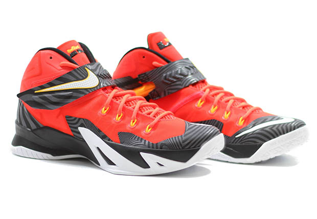 New LEBRON NIKE ZOOM SOLDIER VIII Sneakers 11 Basketball Shoes Bright Crimson
