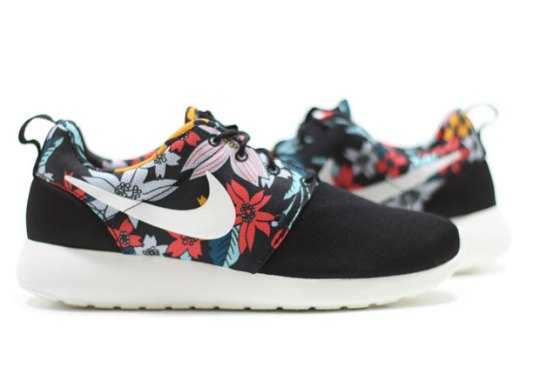 Hawaiian Floral Print Nike Roshes Are Available