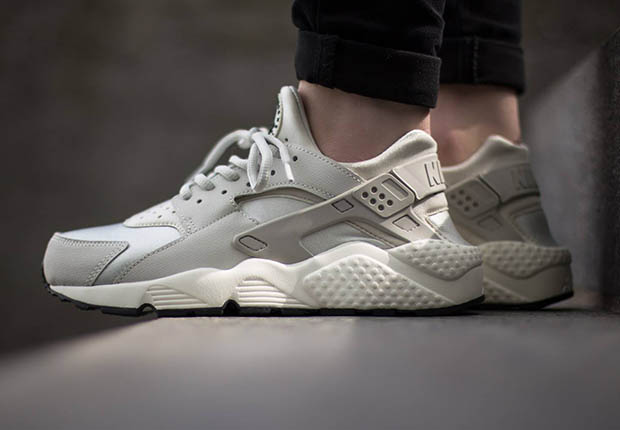 Air Huarache White Womens