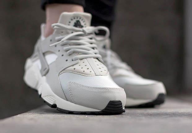 Nike Zapatos Para Mujer De La Luz Corriente Huarache ILD8lS9vuG