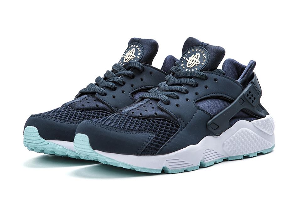 hot sale online 4e97b f1387 A Detailed Look at the Nike Air Huarache