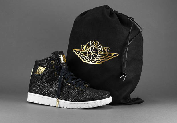 5207f2cb597e6a Incredible Packaging on the 24k Gold Air Jordan 1
