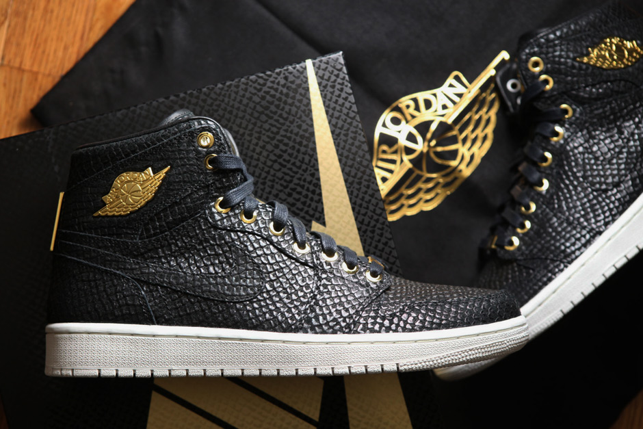 Reaching A Pinnacle: The Air Jordan 1 Celebrates 30 Years With 24K Gold  Luxury