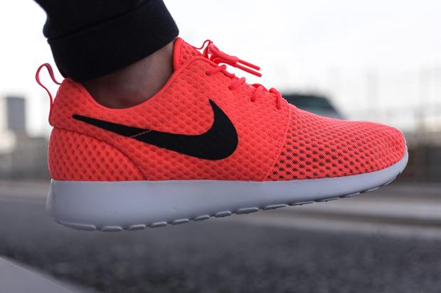 Nike Roshe Exécuter Du Code De Couleur Rouge
