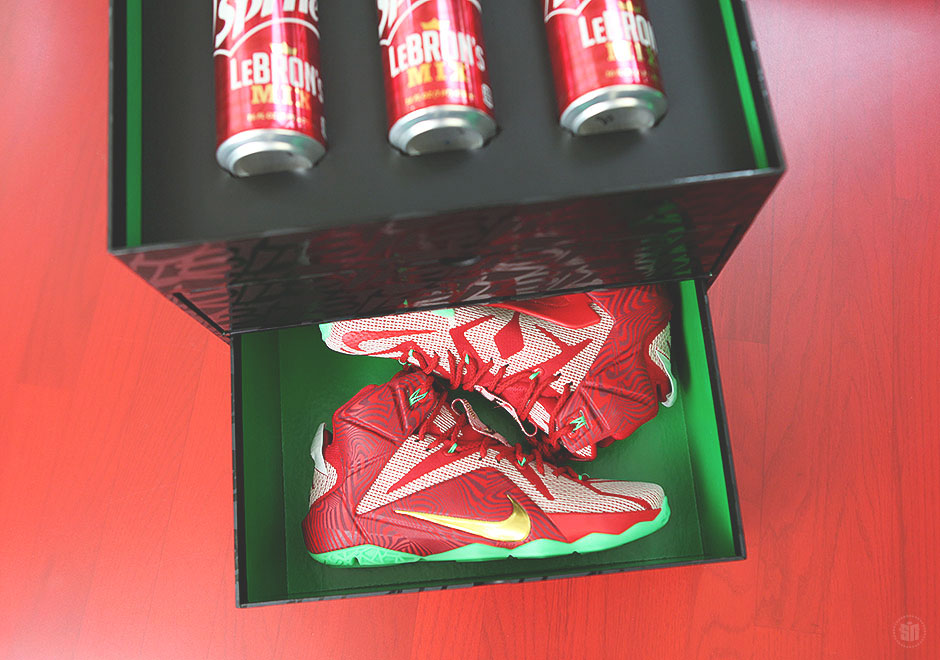 new concept 70a23 78e90 A Detailed Look At The Sprite LeBron's Mix Package ...