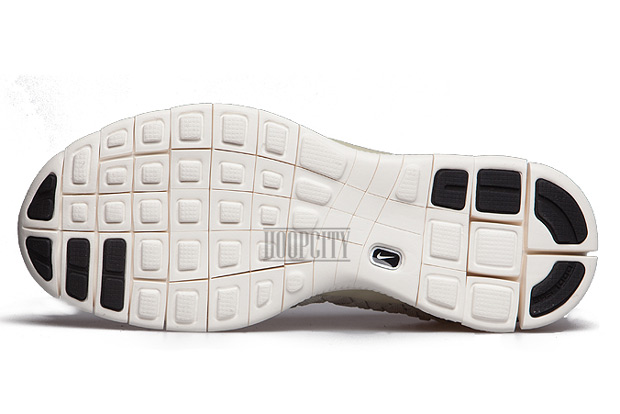 New Two Toned Colorways Of The Nike Free Inneva Woven