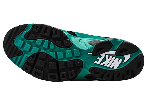 best website 95d7c 02a0f Ken Griffeys Original Nike Air Diamond Fury Colorway Is Back