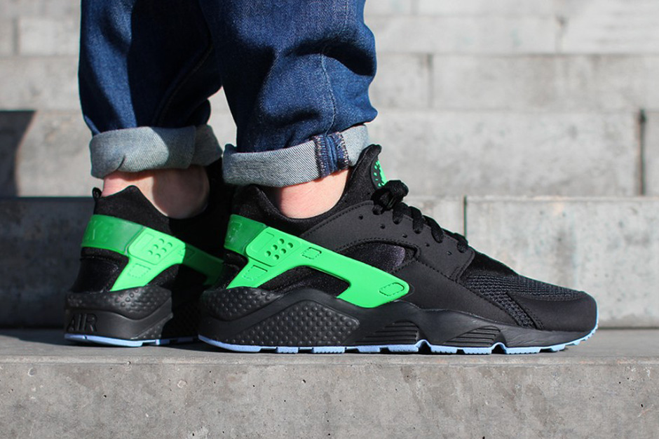 nike huaraches black and green