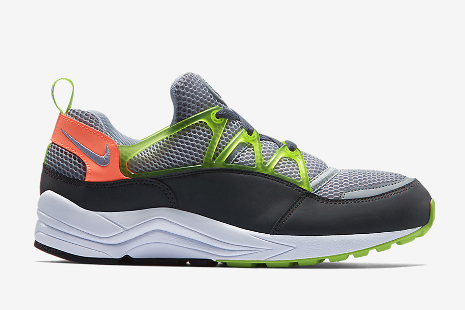 nike-releases-two-new-air-huarache-light-colorways-may-03