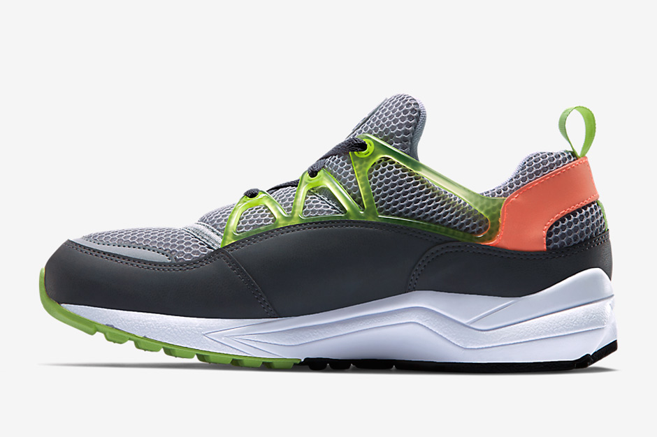 nike-releases-two-new-air-huarache-light-colorways-may-04