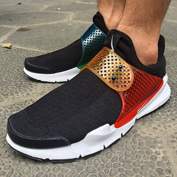 "Nike Sock Dart ""Multi-color"" Straps"