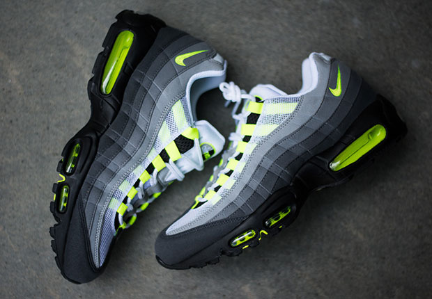 timeless design f5532 d3d83 ... yellow gradation black volt medium ash dk pwtr 554970 071 46d14 12a53   italy nike air max 95 og womens color black volt anthracite cool grey style  code ...