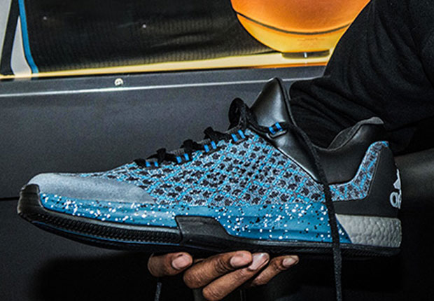 Andrew Wiggins Tests Out Next Season's adidas Crazylight Boost At The adidas  Village - SneakerNews.com
