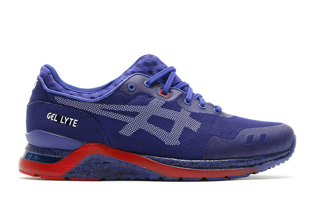 asics with split tongue