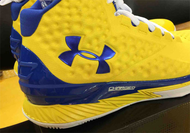 nike foam sneakers curry leave