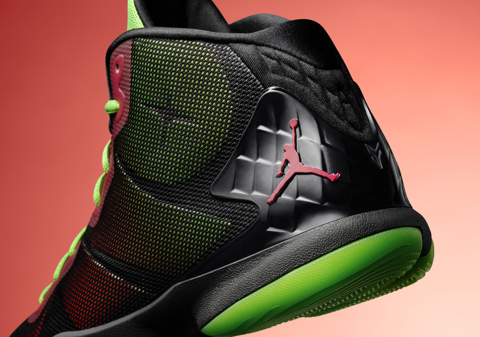 39790bc87c0d86 Find Blake Griffin s Jordan Super.Fly 4 Before Marvin The Martian Does -  SneakerNews.com