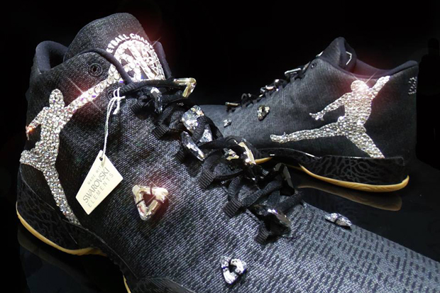 michael-jordan-gifted-customs-with-crystals-01