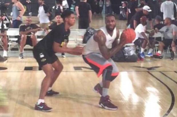 Nike Lebron 13 - 2015 06 30 Is Lebron James Wearing Le Nike Lebron 13 Magasin D'usine
