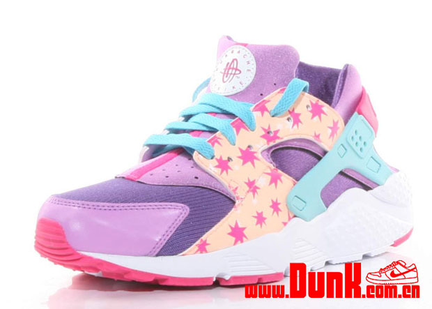 differently 4202f 48720 Nike Air Huaraches For Kids Usher In More Graphic Prints ...