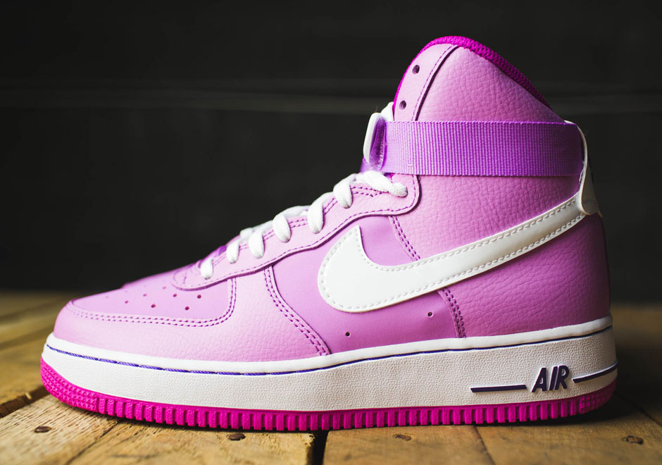 Nike Air Force 1 High rosa