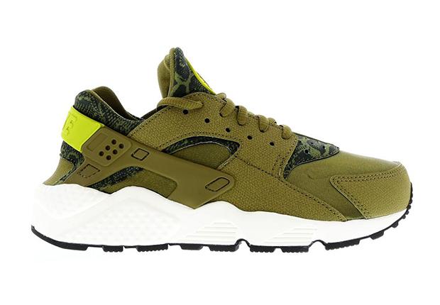 new product 8de7c dc1a8 60%OFF Nike Air Huarache quot Militia Greenquot