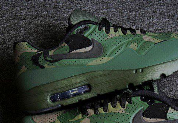 low priced 799d2 de057 Here we see an unreleased sample of the Nike Air Max 1 Ultra Moire in a  dark green camouflage print ...