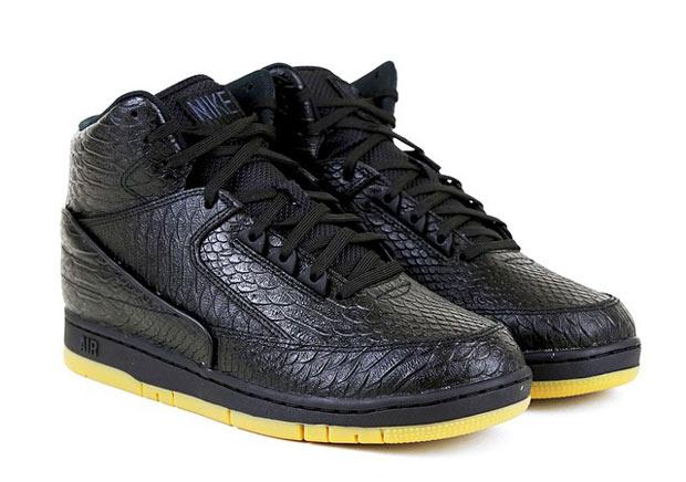 "0661274281c1 The Nike Air Python Arrives in ""Black Gum"""