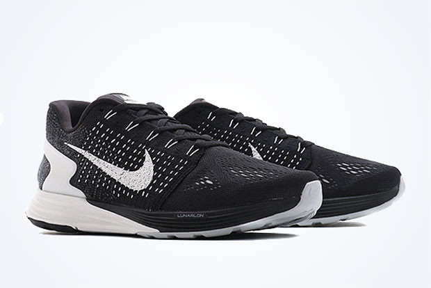 on sale 33bfb 9516a Flyknit And Engineered Mesh Join Forces On The Nike Lunarglide 7