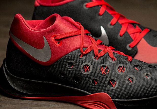 45effe05515d Don t Look At These Nikes If You Suffer From Trypophobia
