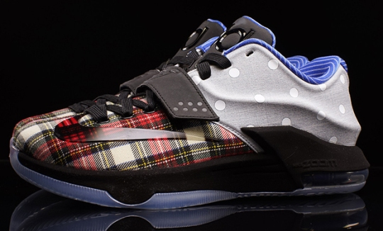 "Nike KD 7 EXT ""Polka Dot/Plaid"" – Available"