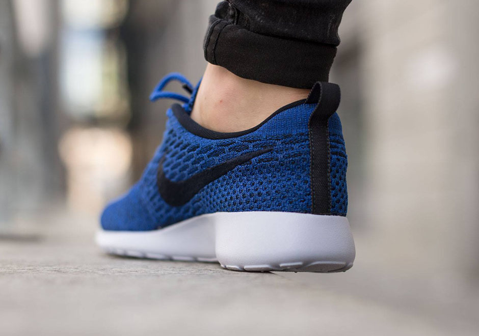 fd5cea502be50 promo code for womens nike flyknit roshe run royal blue aa349 6ff4f