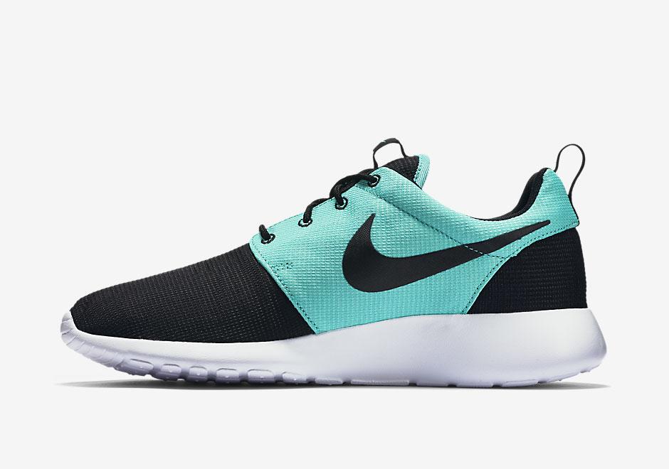 Menthe Verte Et Noir Nike Roshe
