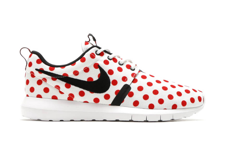 Nike Roshe Course Chaussures À Pois