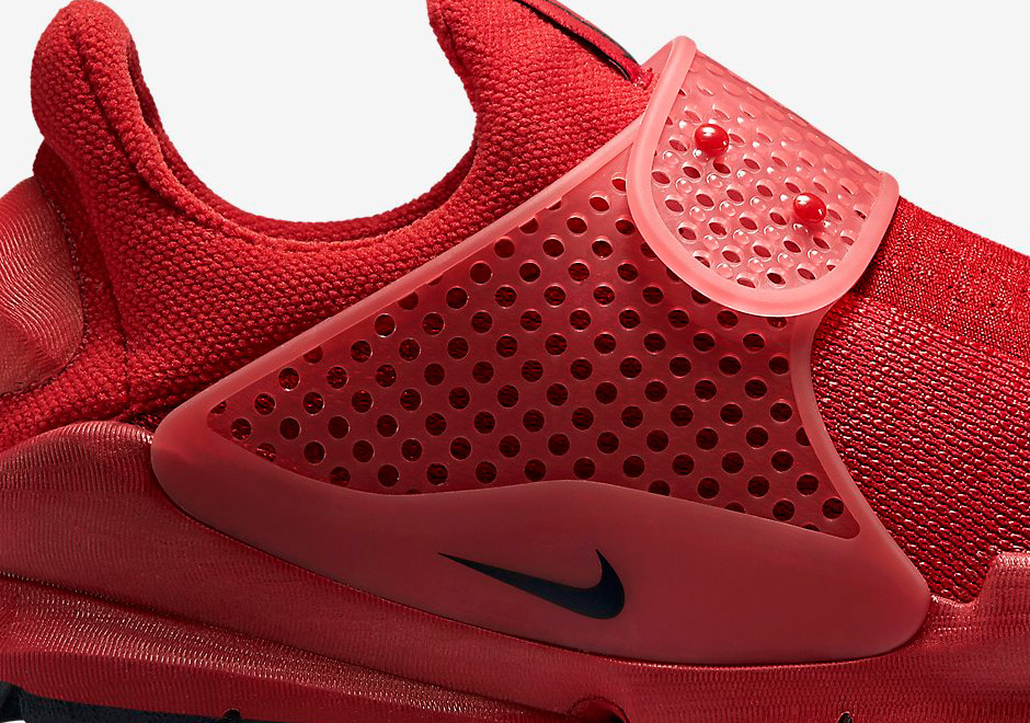 hot sale online 55985 2b11c Official Images of the Nike Sock Dart