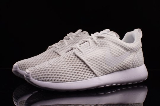 White-Mesh Nike Roshes Are Available