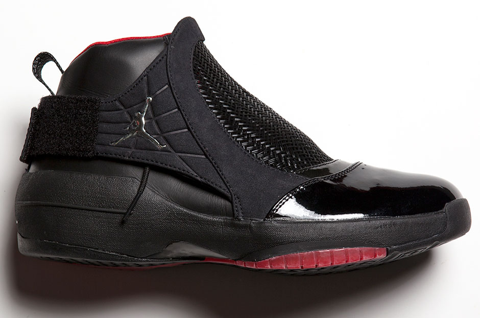 """19bbbed8f7fd ... resembles the """"Concord"""" Air Jordan 11. There were also a number of  unique colorways for the low-top and SE iterations—including versions of  the low with ..."""