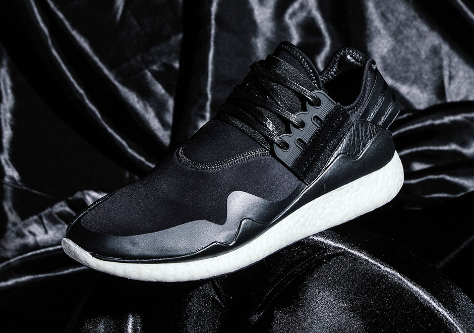 the adidas y 3 retro boost is back with the best colorway. Black Bedroom Furniture Sets. Home Design Ideas