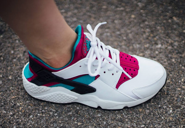 These Nike Air Huaraches Are Similar To What Michael Jordan Wore In The  Early 90s