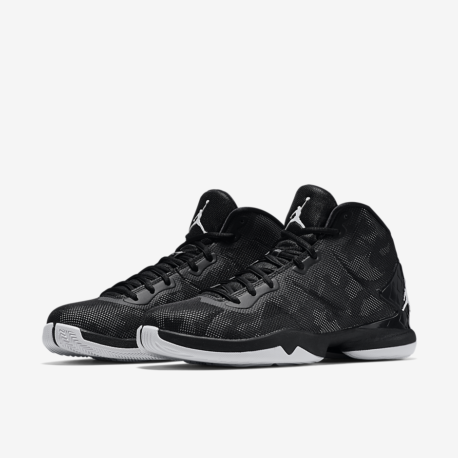 75e54e649cb5 The Black/White Super.Fly 4 will be flying into select Jordan Brand  retailers soon.