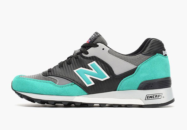 A double dose of modern updates give the New Balance 577 a whole new look  on this latest offering of the classic runner. First 23faf49891