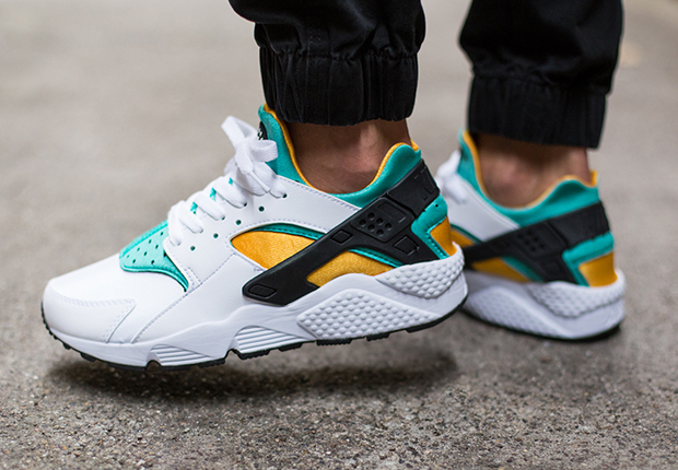 los angeles 2482c a58b7 Your Huarache Collection Won t Be Complete Until You Cop These OGs ...