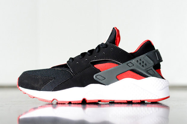 Nike Air Huarache Noir Et Université Jordan Red u8yWSHO