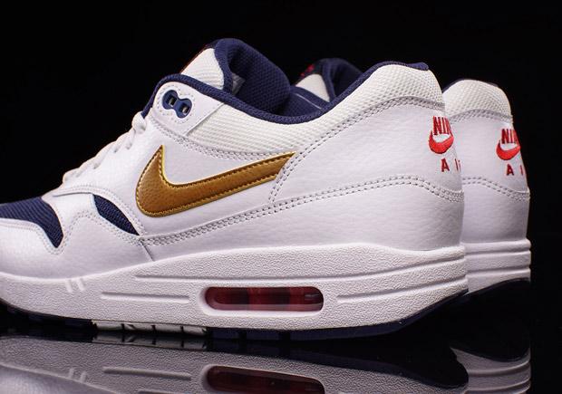 5c819caaf03f Nike Air Max 1