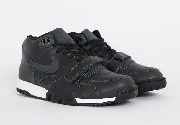 detailed look 8b488 46e95 The Nike Air Trainer 1 In Full Black Leather