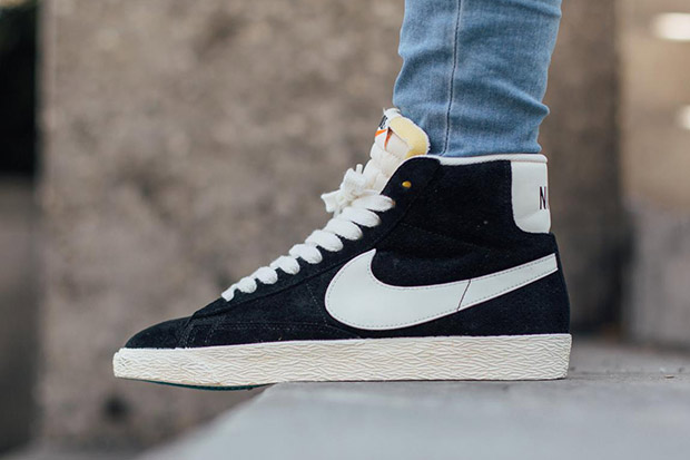 Pioneering in top performance and style in the early days of basketball, the Nike Blazer is a classic. A later released model is the Nike Blazer Vintage. This model is created with a comfortable.