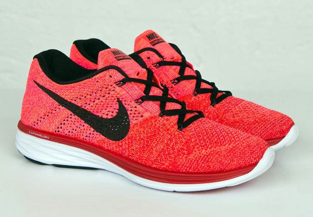 57886c25fbab The Nike Flyknit Lunar3 is no stranger to bold looks for its Flyknit upper.  After all