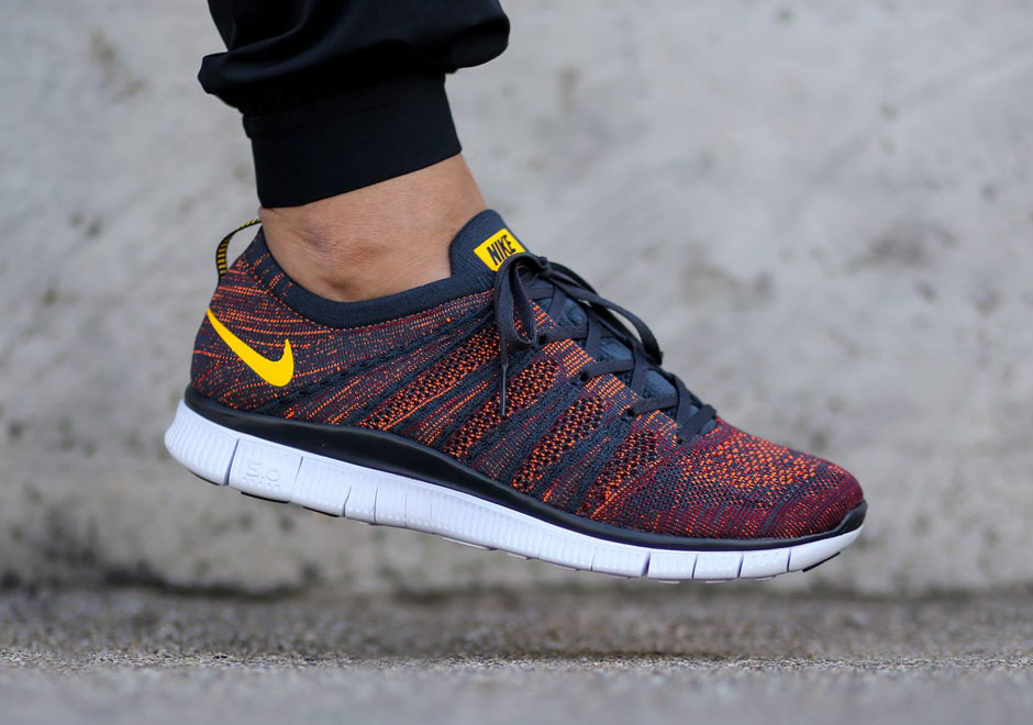Nike Free Flyknit NSW - Anthracite - Laser Orange - SneakerN