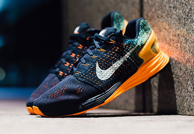 clear-cut texture search for latest shades of Is The Nike Lunarglide 7 The Best New Flyknit Sneaker In ...